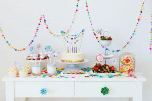 Comment réaliser une sweet table pour l'anniversaire de votre enfant